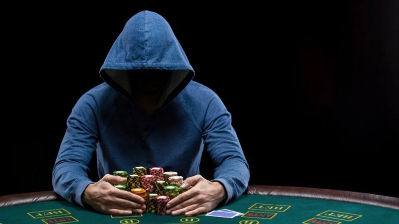 fuller-house-exposing-high-end-poker-cheating-devices.960_看图王.web