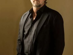 """Hollywood Superstar Russell Crowe Will Star in Poker Blockbuster """"Poker Face"""""""